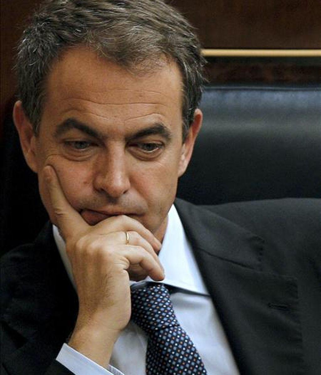 El presidente del Gobierno, José Luis Rodríguez Zapatero, durante la sesión de control al Ejecutivo celebrada en el Congreso de los Diputados. EFE/Archivo