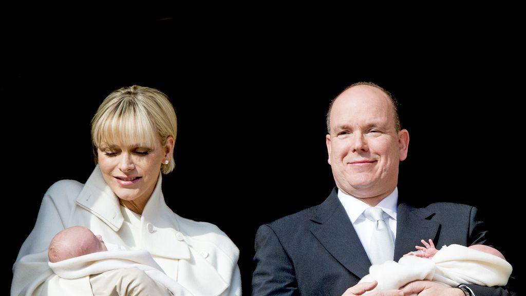 Alberto de Mónaco y Charlene presentan a sus hijos: Jacques y Gabriella