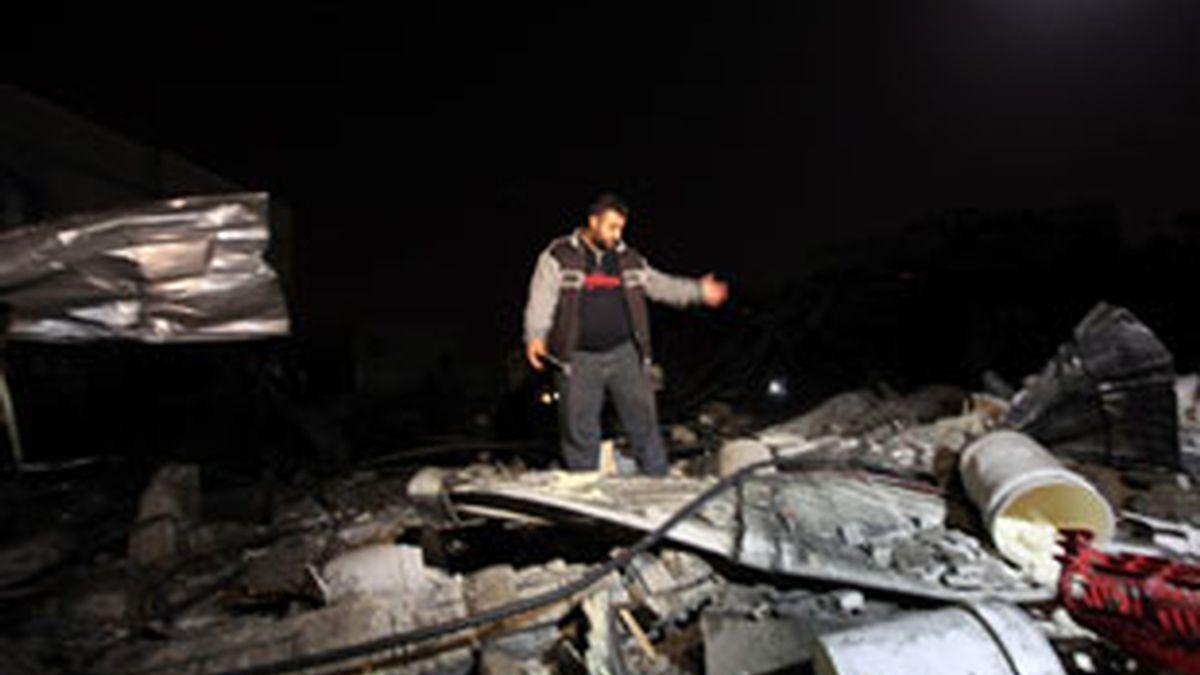 Los ataques aéreos ocurrieron sólo horas después de un nuevo ataque el jueves con cohetes de activistas palestinos al sur de Israel. FOTO: EFE