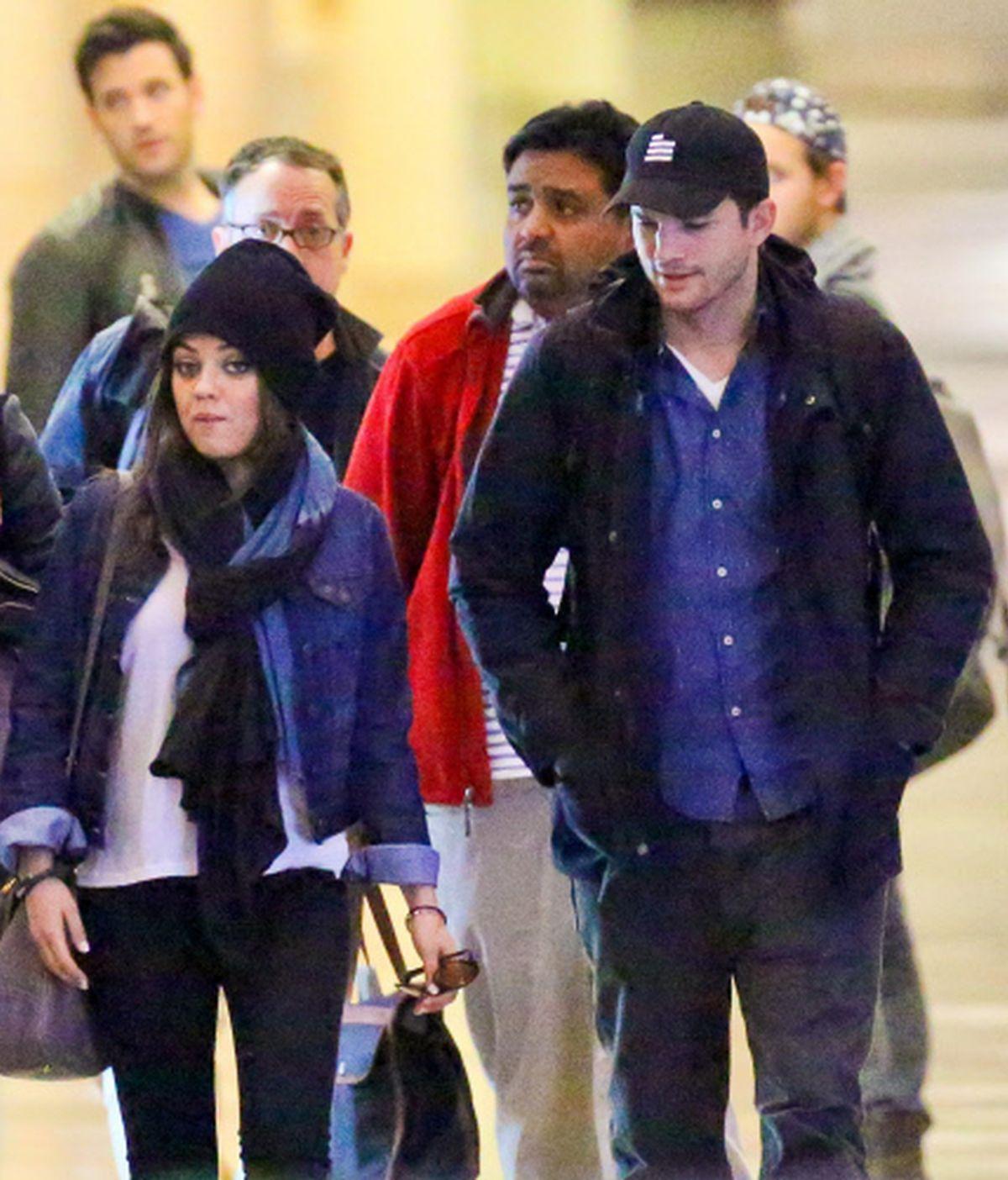 Mila Kunis y Ashton Kutcher se comprometen