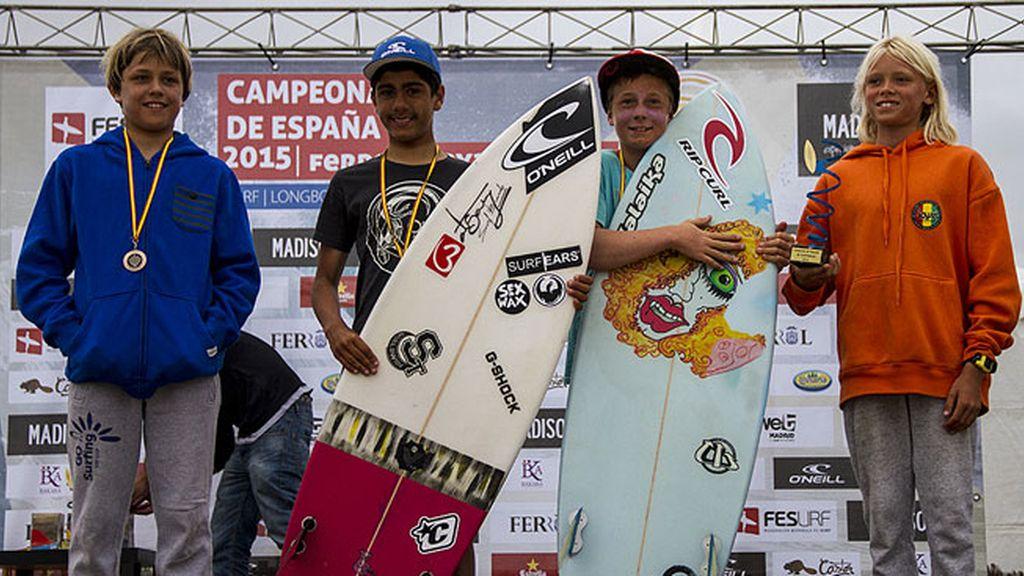 Campeones de Surf sub-14 masculino