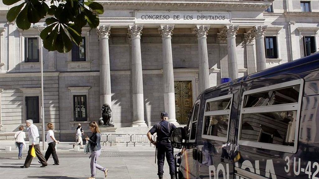 Mucha seguridad en los alrededores del Congreso de los Diputados