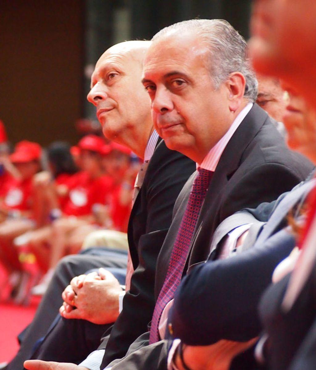 Ministro Wert con José Luis Sáez, Presidente de la FEB