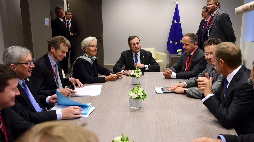 La troika y Dijsselbloem discuten la propuesta griega