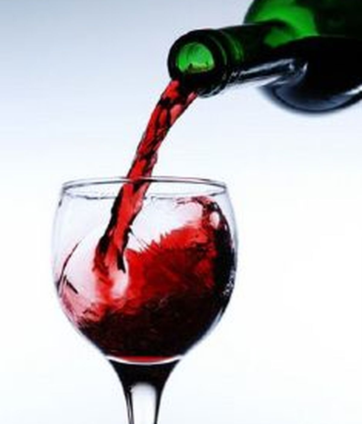 El vino se comercializará en superficies por un precio no superior a 5 euros.