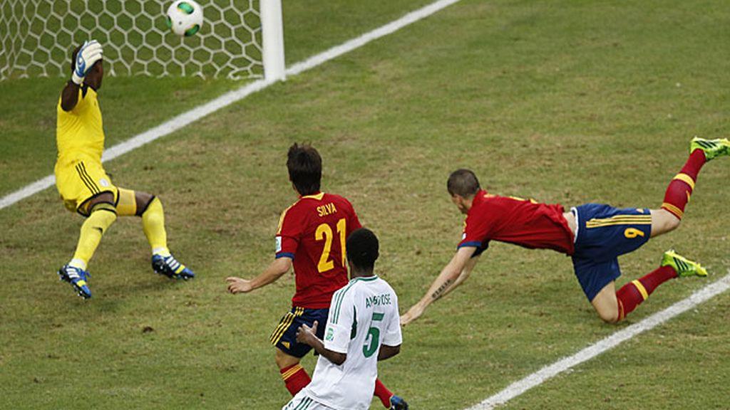 Torres anotó el gol de la tranquilidad para España