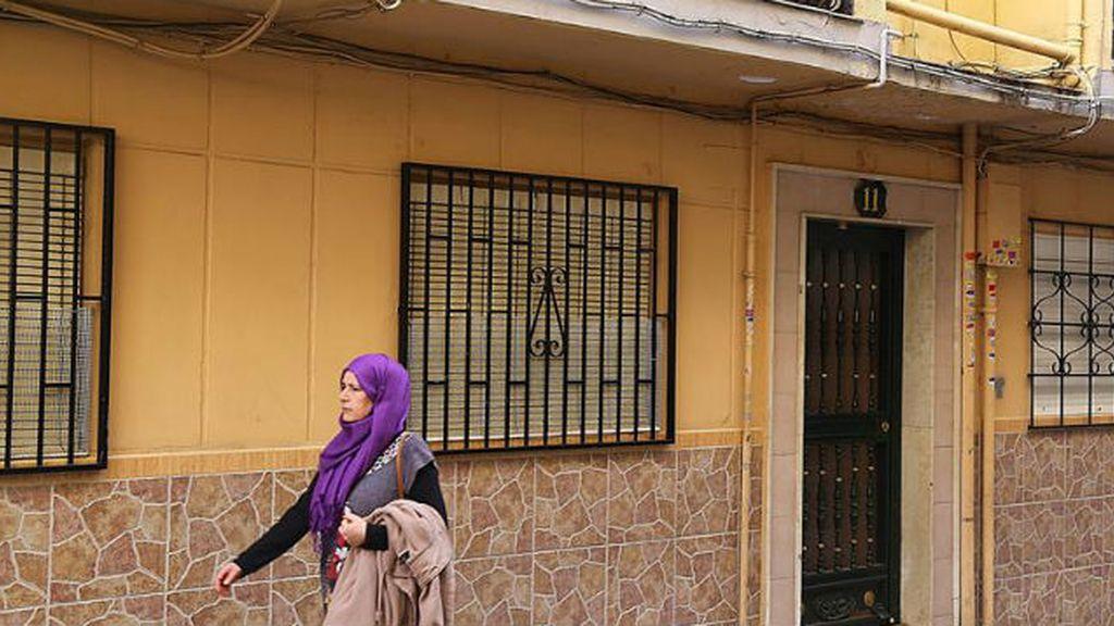 Hallan droga y documentación en la casa de los presuntos yihadistas en Granada
