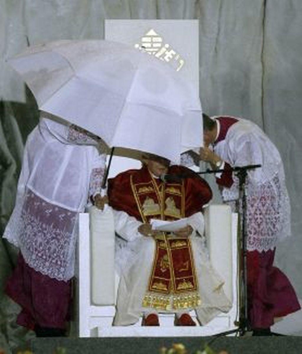 El Papa, durante la Vigilia. EFE