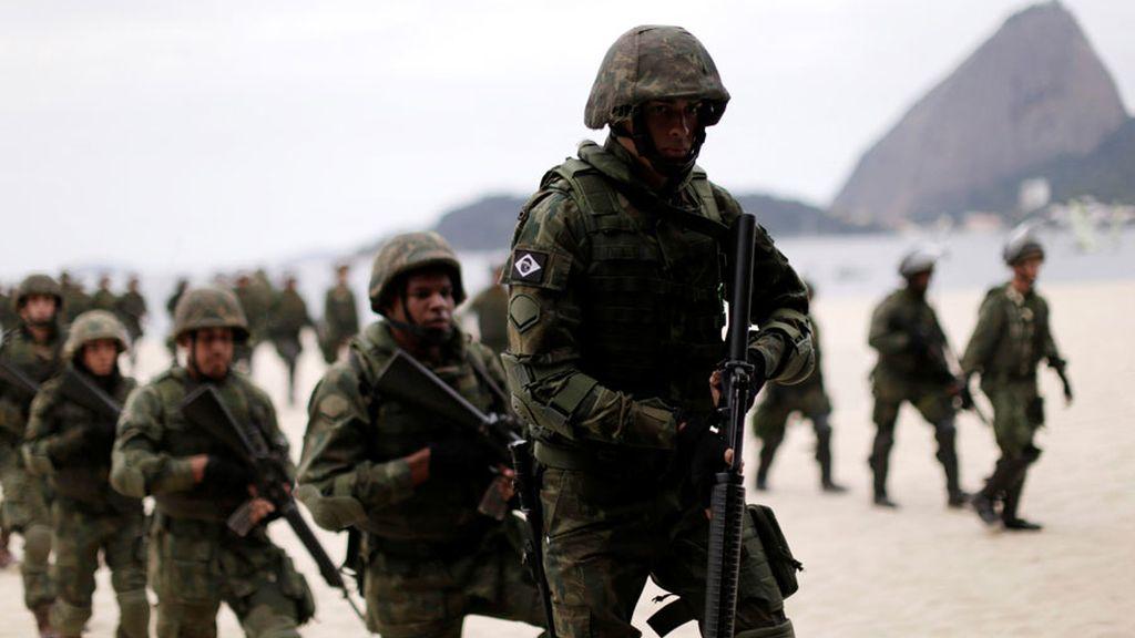Los soldados hacen un simulacro antes de los Juegos Olímpicos (19/07/2016)