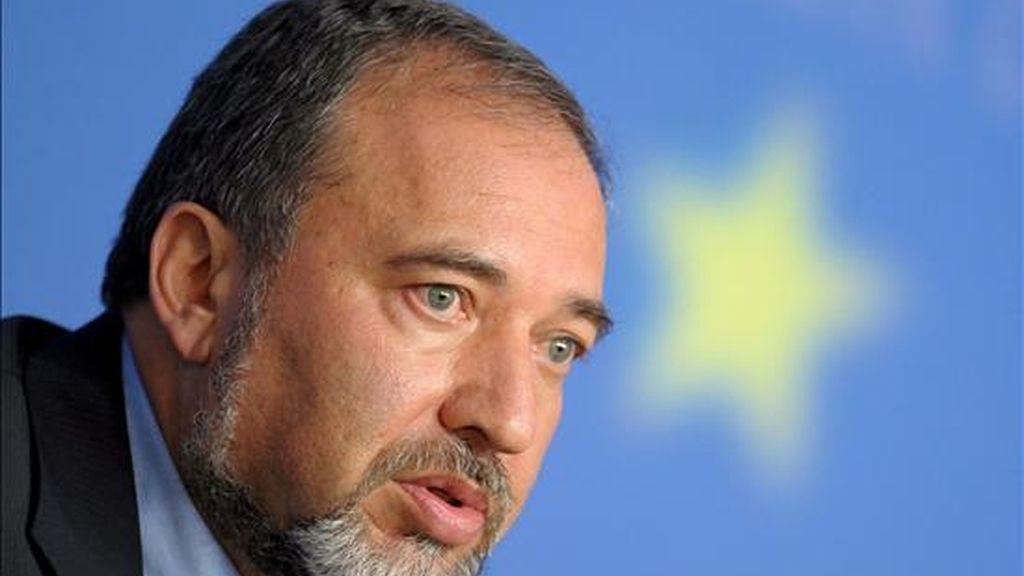 """Lieberman subrayó que """"es bueno empezar sin precondiciones y que cada parte intente convencer a la otra"""". EFE/Archivo"""