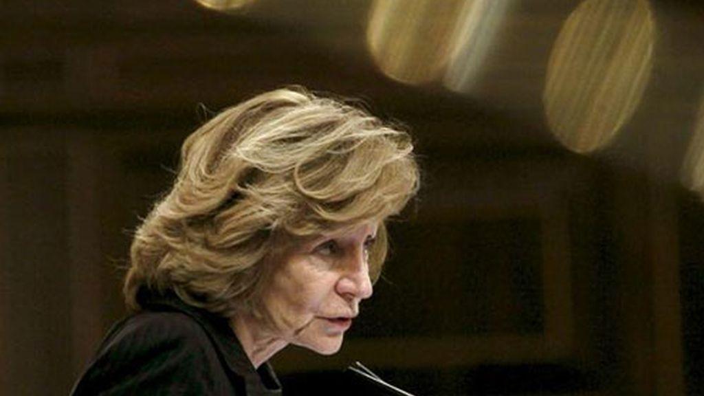 La vicepresidenta económica, Elena Salgado, durante una de sus intervenciones en la sesión de control al Ejecutivo en el pleno del Congreso.