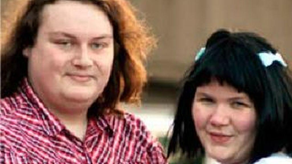 El portal promete citas reales para gente real. Tom, de 36 años y Jannine de 31 se conocieron en The Ugly bug ball y tras cuatro citas se casaron.