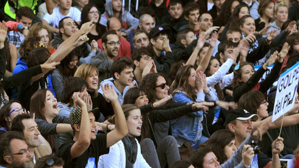 Miles de personas secundan la nueva protesta en Neptuno