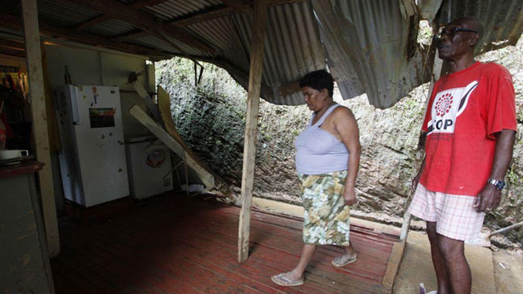 Tormenta Isaac, huracán a su paso por Puerto Rico