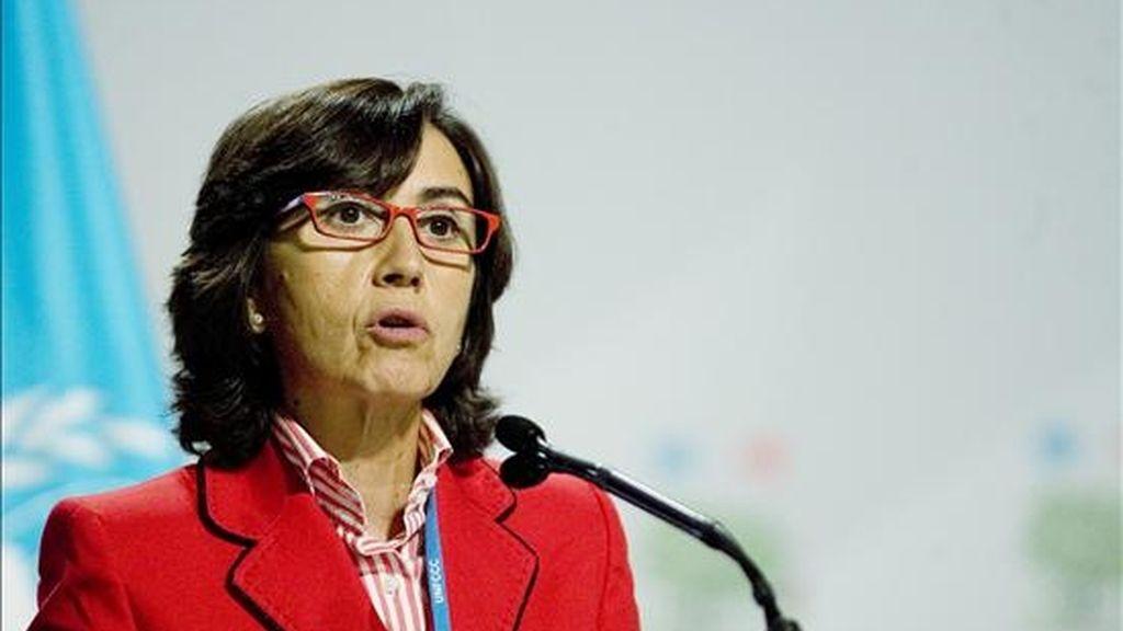 """La ministra de Medio Ambiente española, Rosa Aguilar, dijo que pocas horas atrás, """"no existía texto ni principio de acuerdo y el horizonte se veía difícil y con mucha incertidumbre"""". EFE/Archivo"""