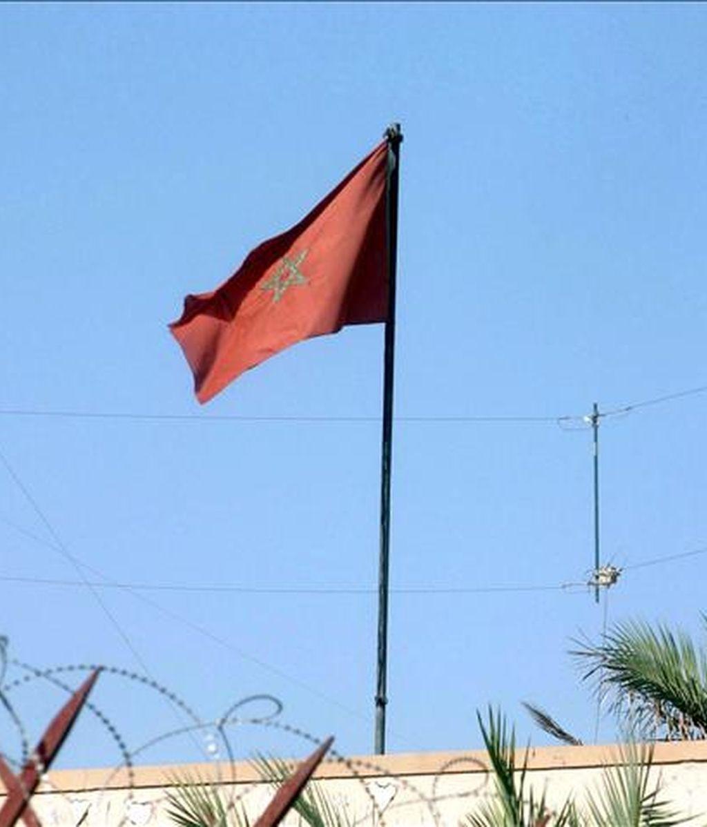 El Gobierno de Marruecos expulsó hoy del país a cuatro evangelistas españolas y a una alemana por haber llevado a cabo acciones de proselitismo. En la imagen, una bandera marroquí. EFE/Archivo