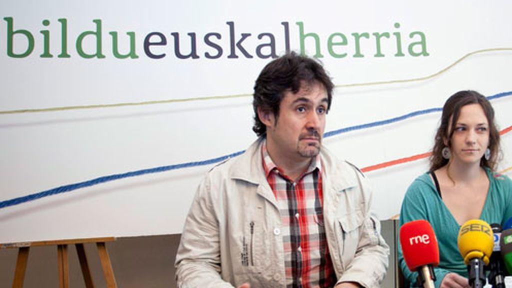 """Bildu asegura que """"continuará centrando sus esfuerzos para consolidar el escenario de ilusión que se ha generado en el seno de la sociedad vasca""""."""