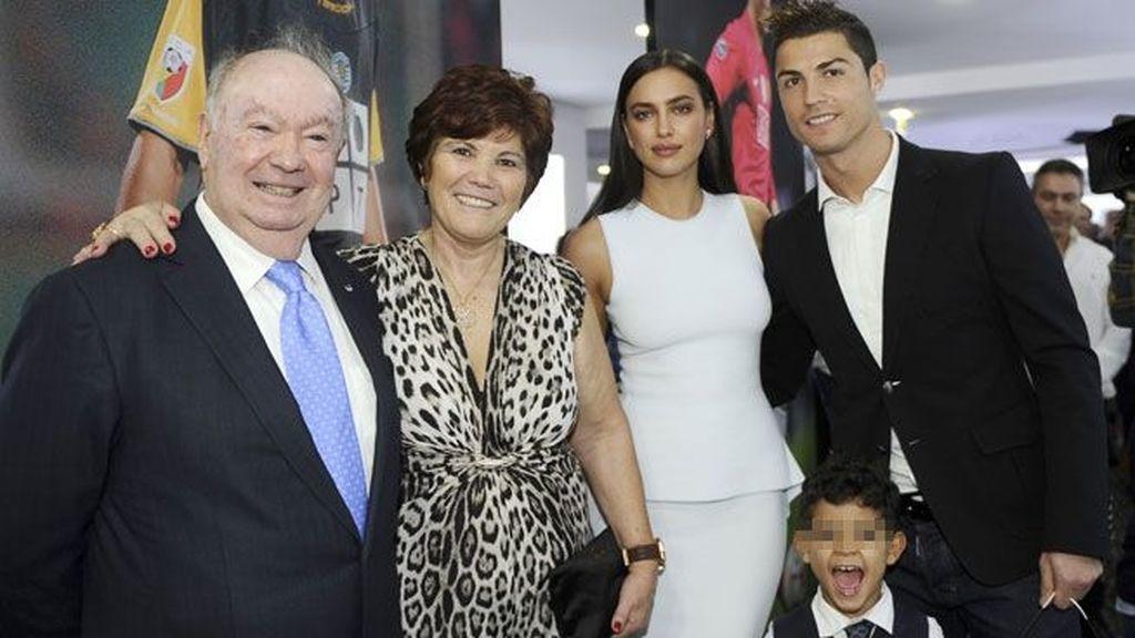 Foto de familia en la inauguración del museo de CR7 en Maderia
