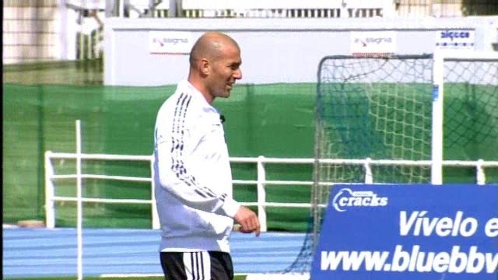 Enzo y Zidane entrenan junto a los jugadores