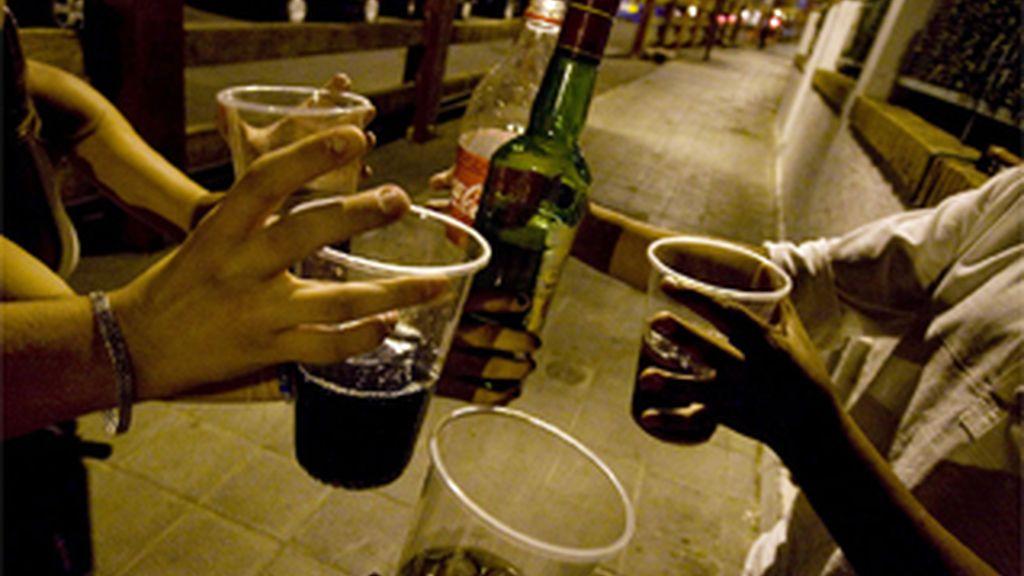 El 61% de los jóvenes de entre 12 y 16 años es consumidor habitual de alcohol