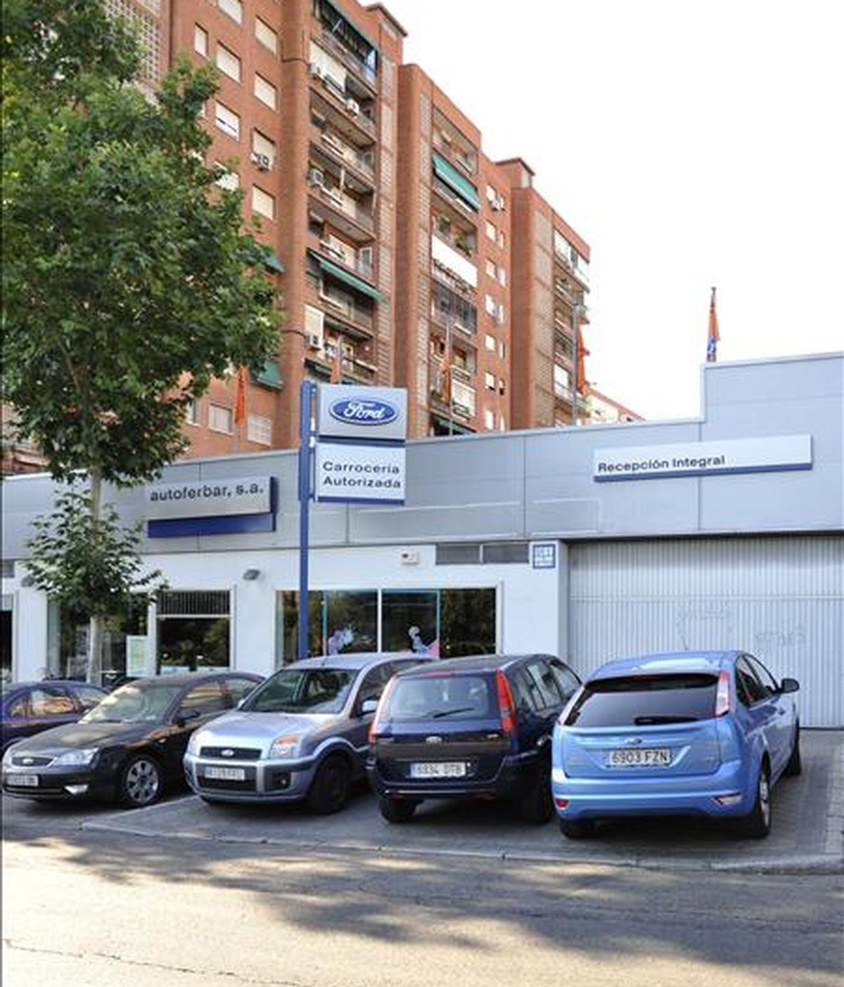 Vista de un concesionario de ventas de vehículos de la marca Ford en Madrid. EFE/Archivo