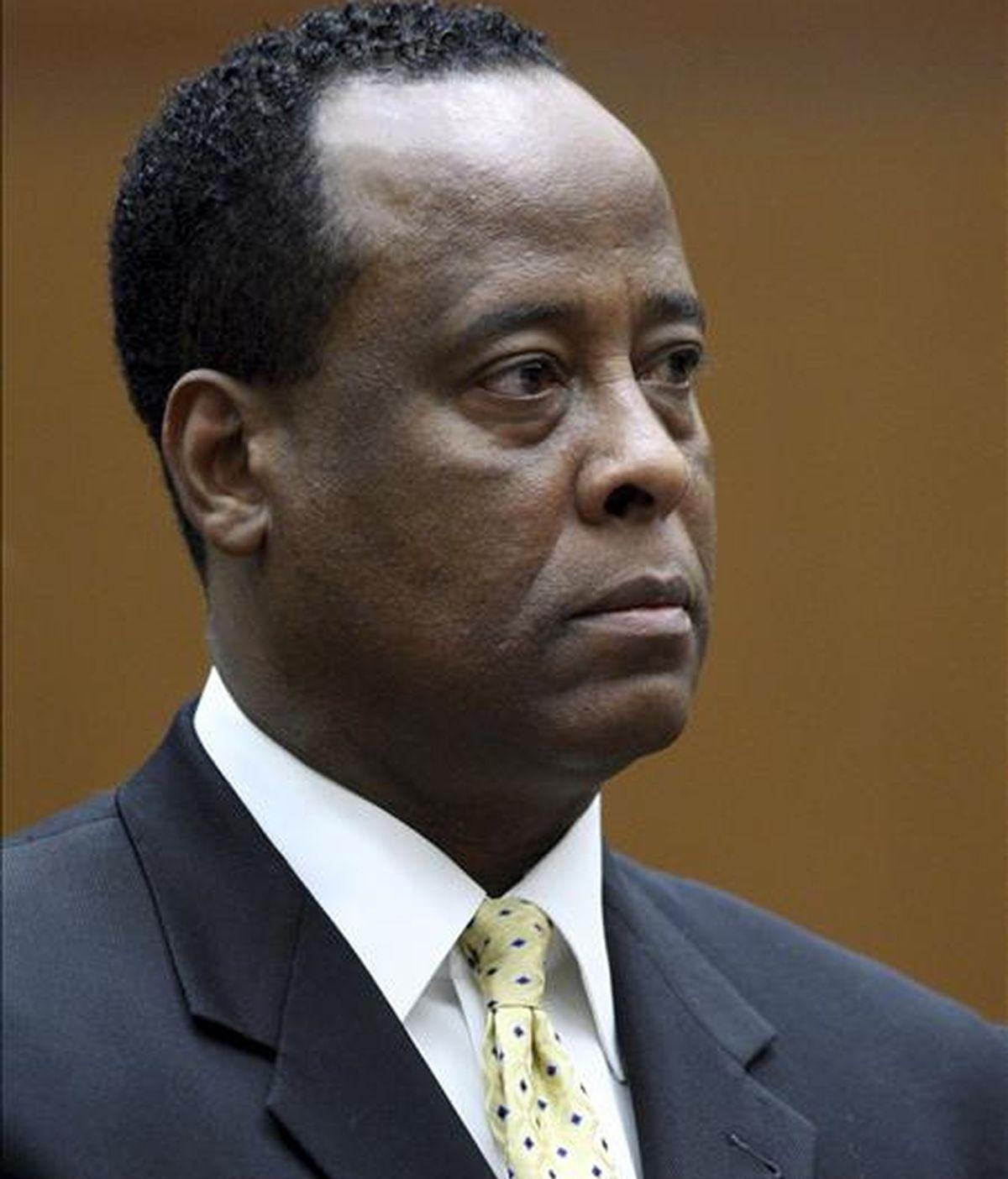 Conrad Murray está acusado de homicidio involuntario por el fallecimiento de Michael Jackson. EFE/Archivo