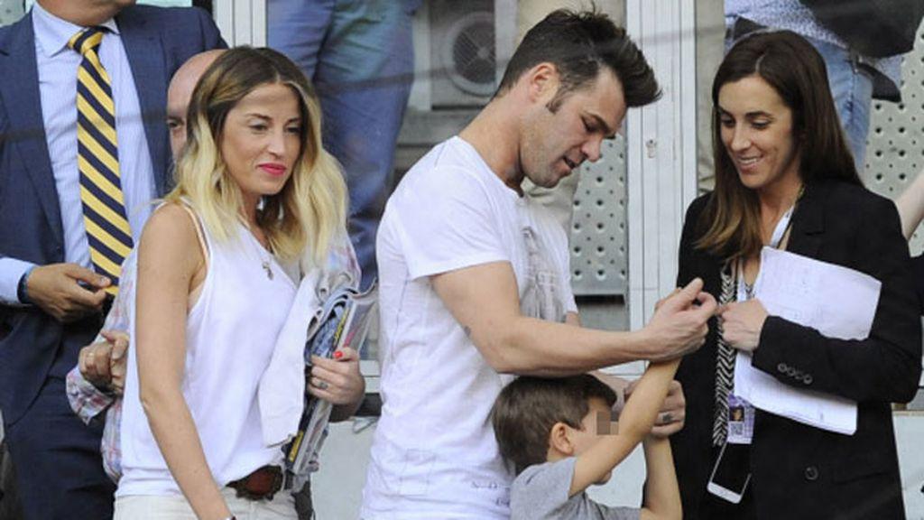 El ex de Alba Carrillo, que fue con su chica, animó a Feliciano en redes