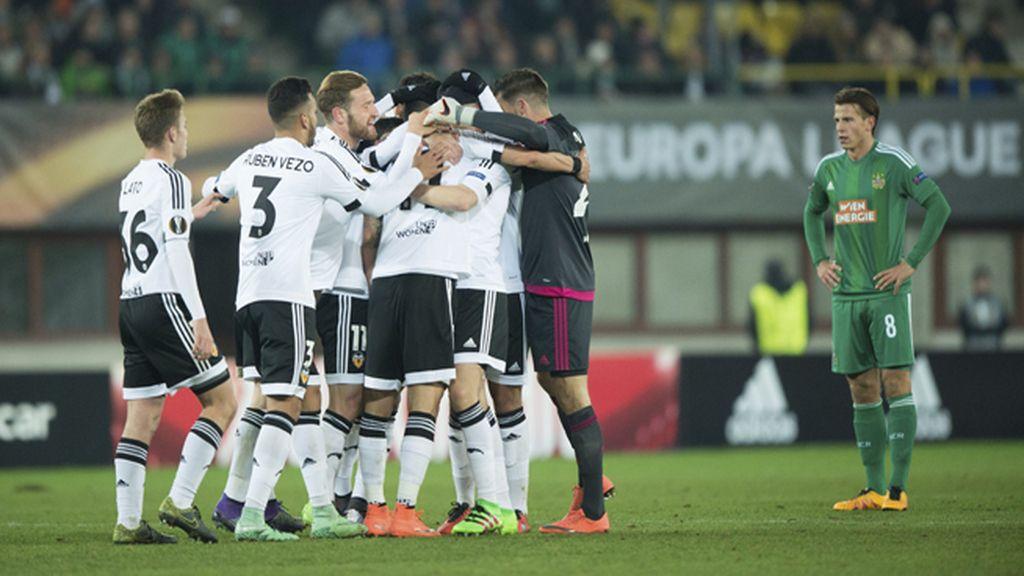 El Valencia hurga en la herida austriaca con una plácida victoria