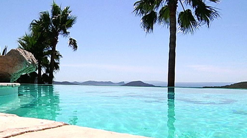 Increíble piscina con increíbles vistas