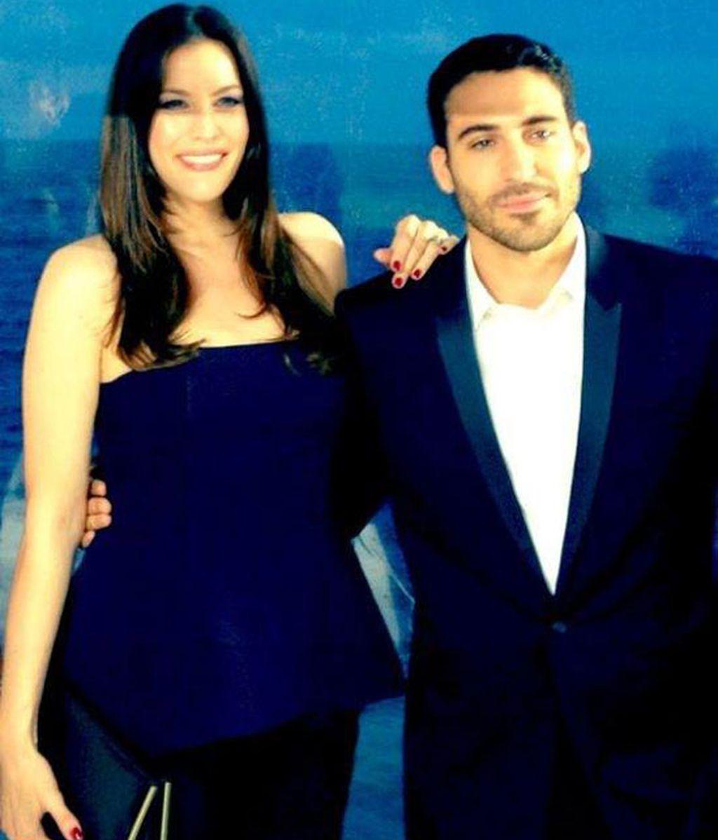 Liv Tyler y Miguel Ángel Silvestre