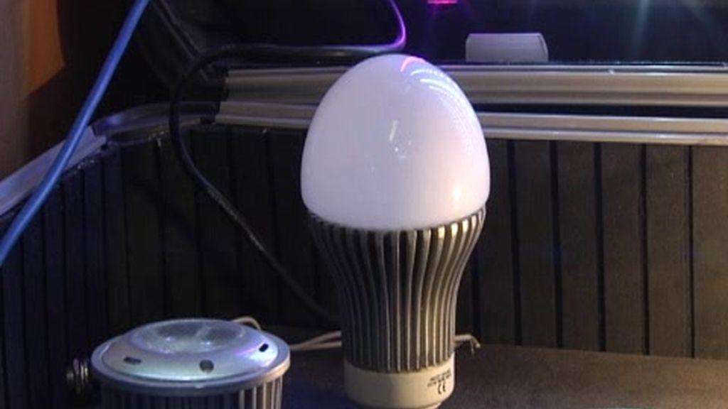 La subida de luz dispara la compra la bombillas de bajo consumo