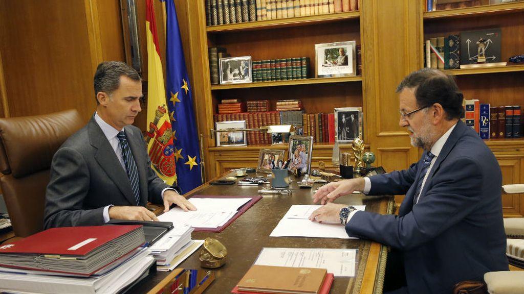 El rey recibe a Rajoy en un despacho semanal centrado en Cataluña