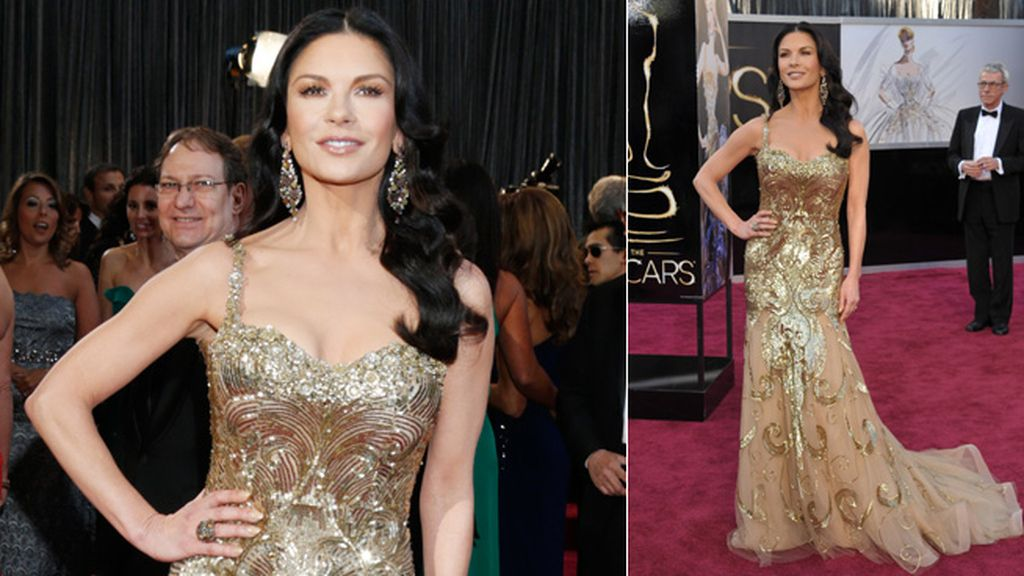 El vestido dorado de Zeta Jones no destelló en la 'red carpet'