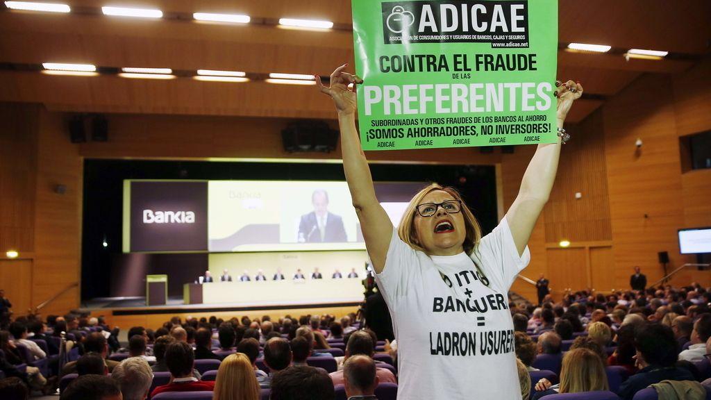 Los pequeños accionistas de Bankia toman  la Junta