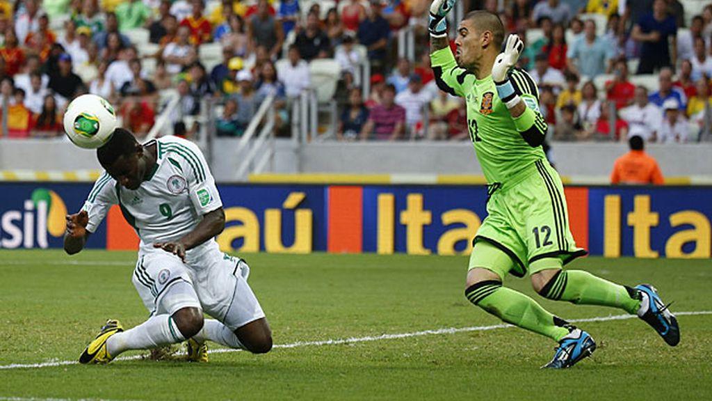 Víctor Valdés jugó ante Nigeria y tuvo una gran actuación