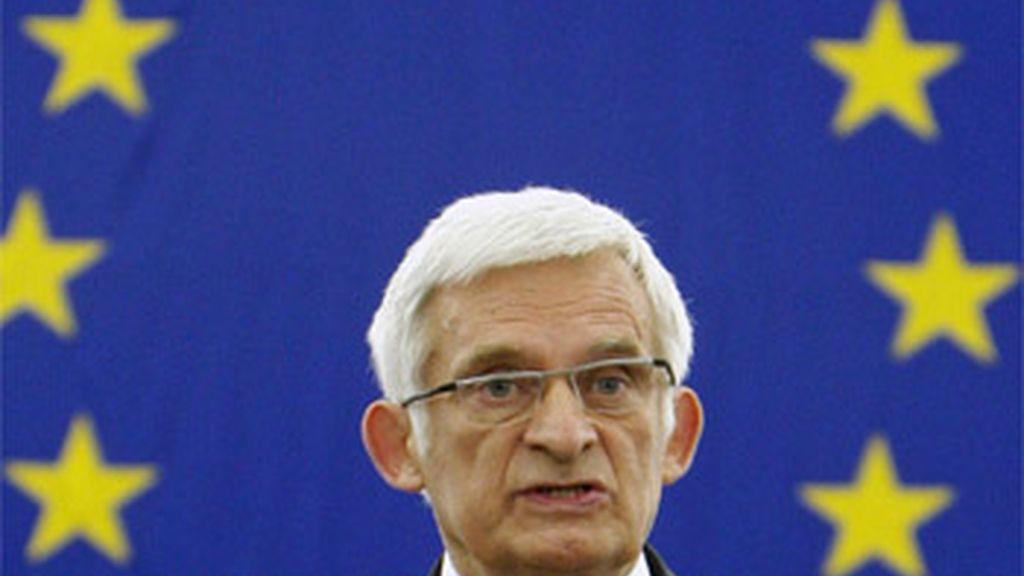 Jerzy Buzek, presidente del Parlamento europeo