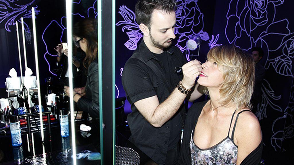 Arancha de Benito no dudó en probar las bondades de los cosméticos de Kat Von D para Sephora