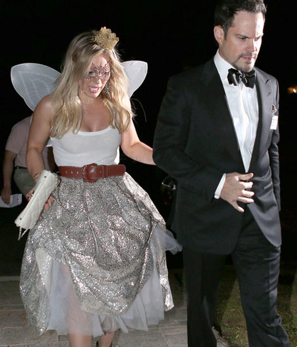La cantante y actriz Hillary Duff y su disfraz de hada