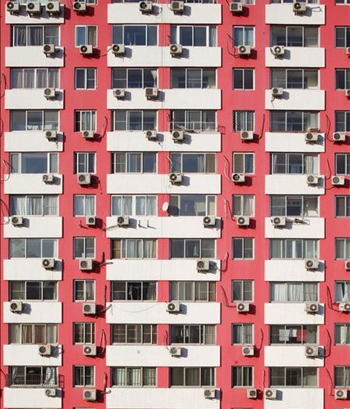 Fachada de un edificio de viviendas. EFE/Archivo
