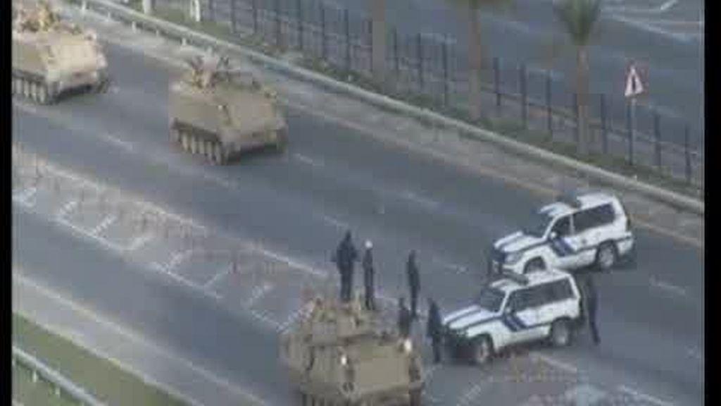 La revuelta de Bahréin, aplastada por los tanques
