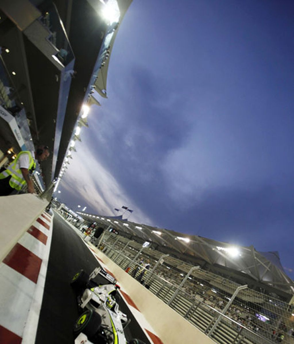 El británico Button, en los segundos entrenamientos libres