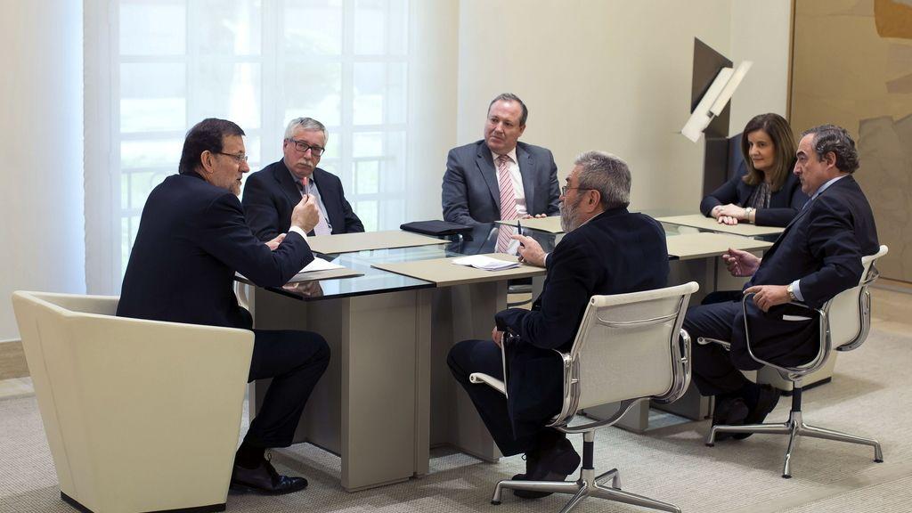 Rajoy se reúne con los agentes sociales