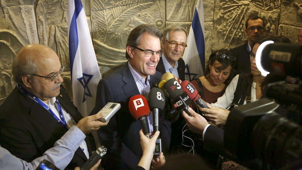 "Mas contesta a Rajoy que Cataluña no pretende poner ""aduanas"""