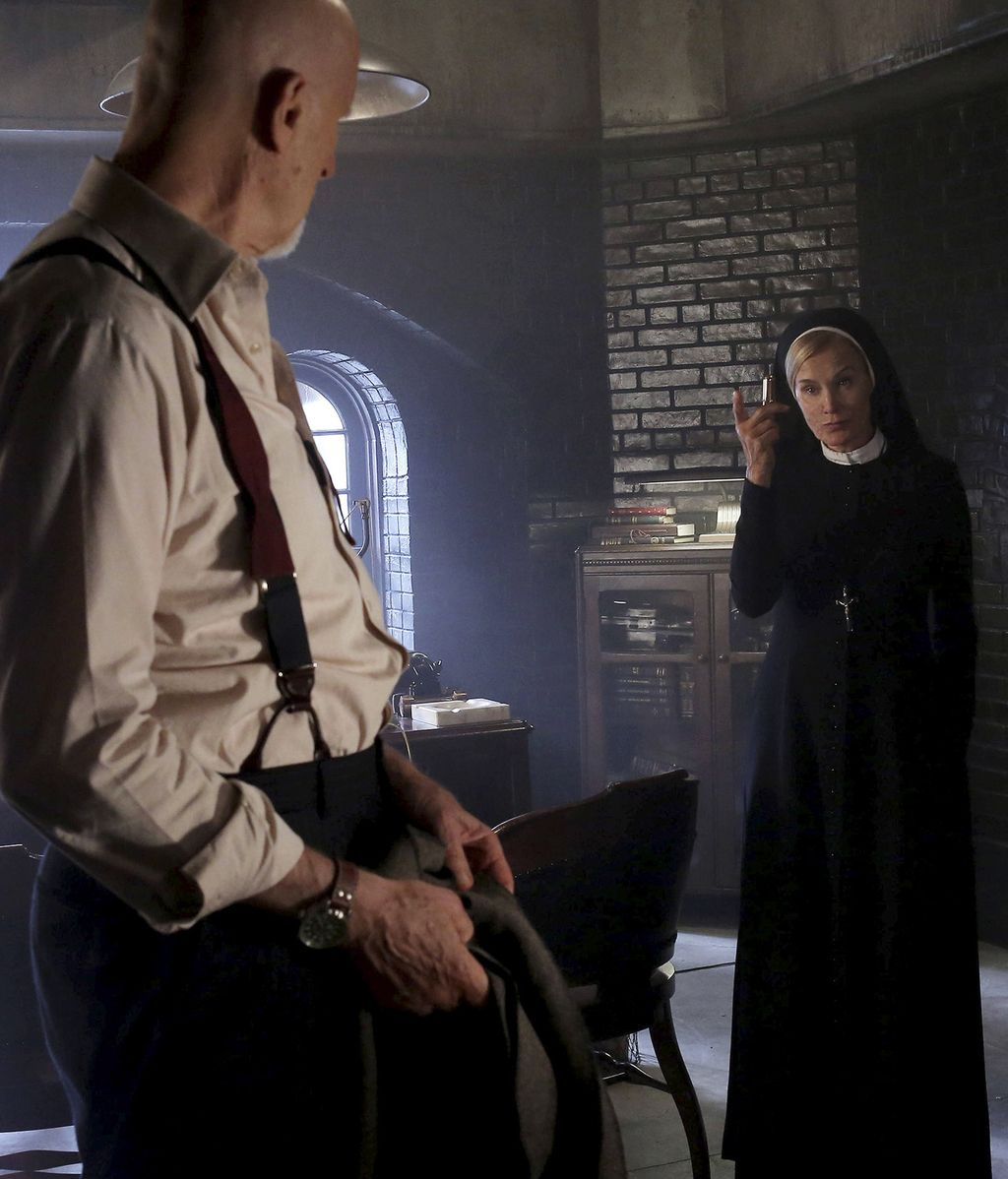 Capítulo 2: Lana conoce al temido Doctor Arden