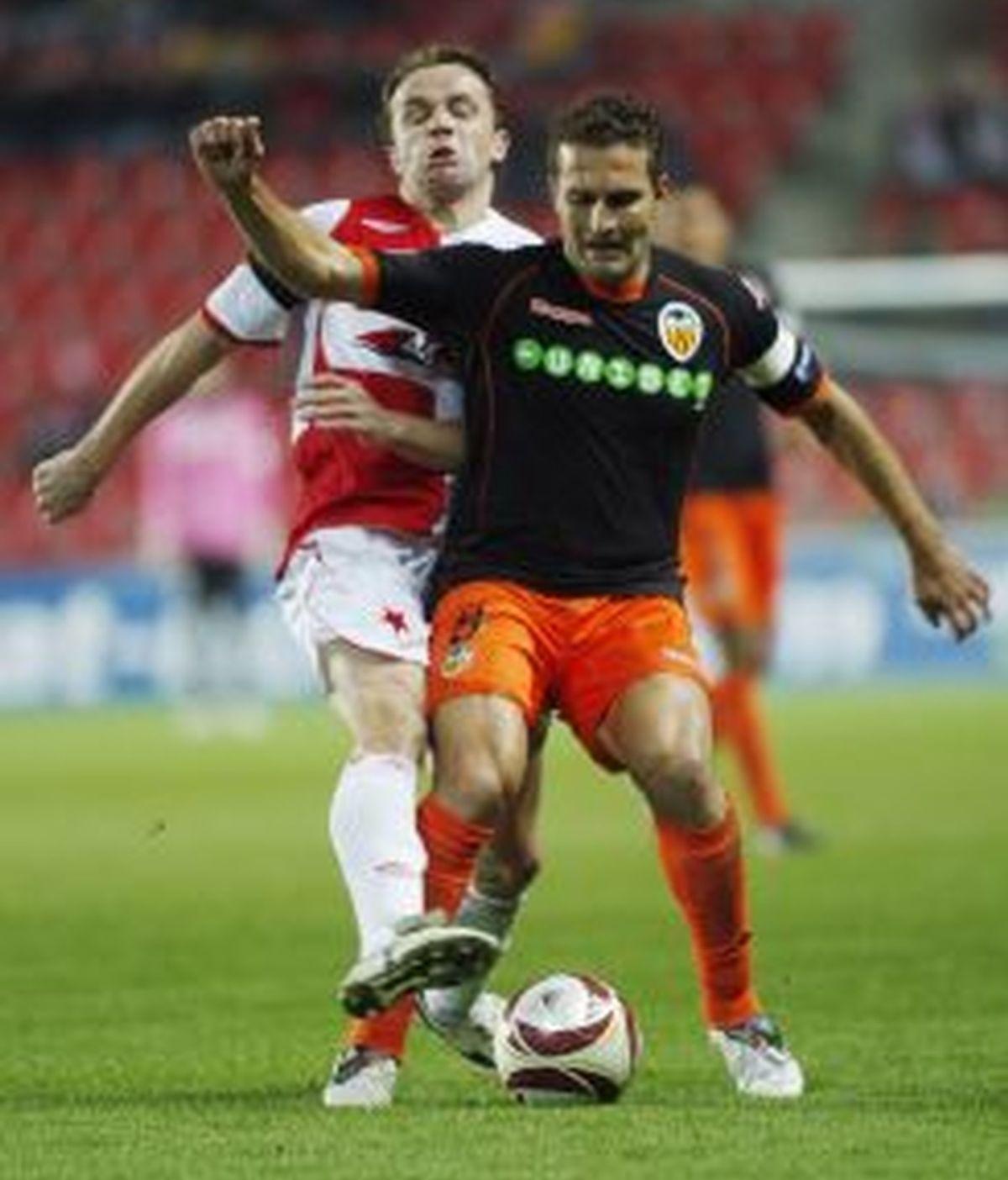 El Valencia busca encarrilar la clasificación. Foto: EFE