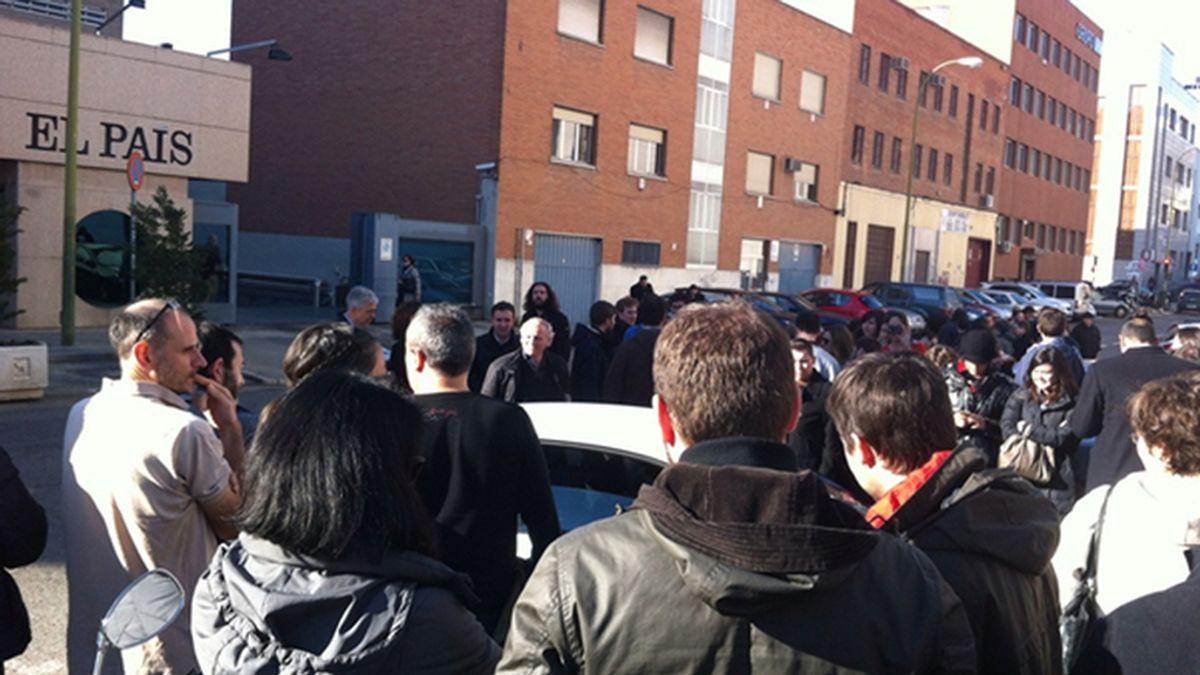 Desalojado el edificio de 'El País' en Madrid por un paquete sospechoso