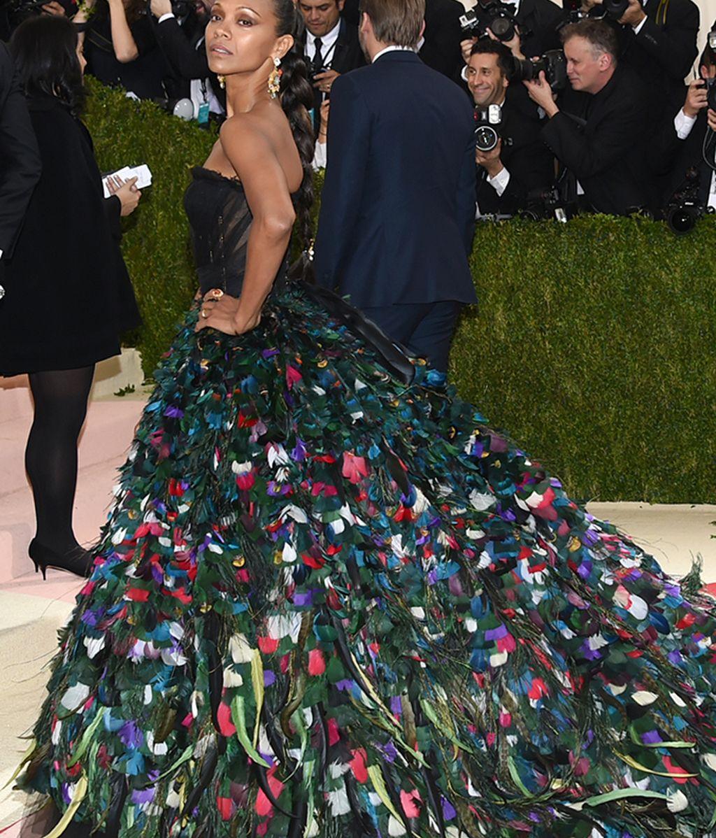 Zoe Saldana con vestido de Dolce&Gabbana