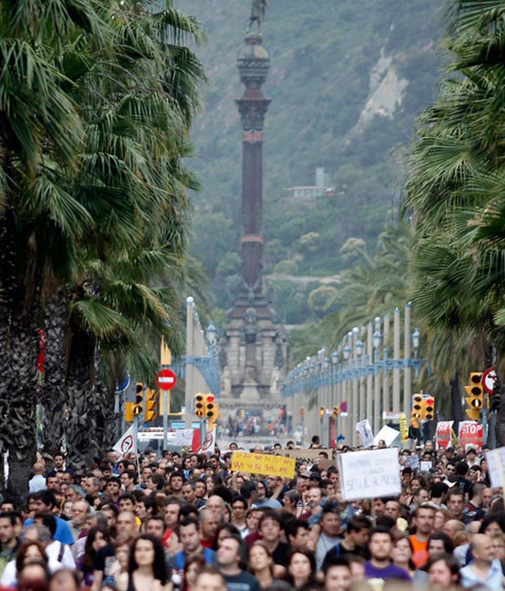 en barcelona, miles de indignados
