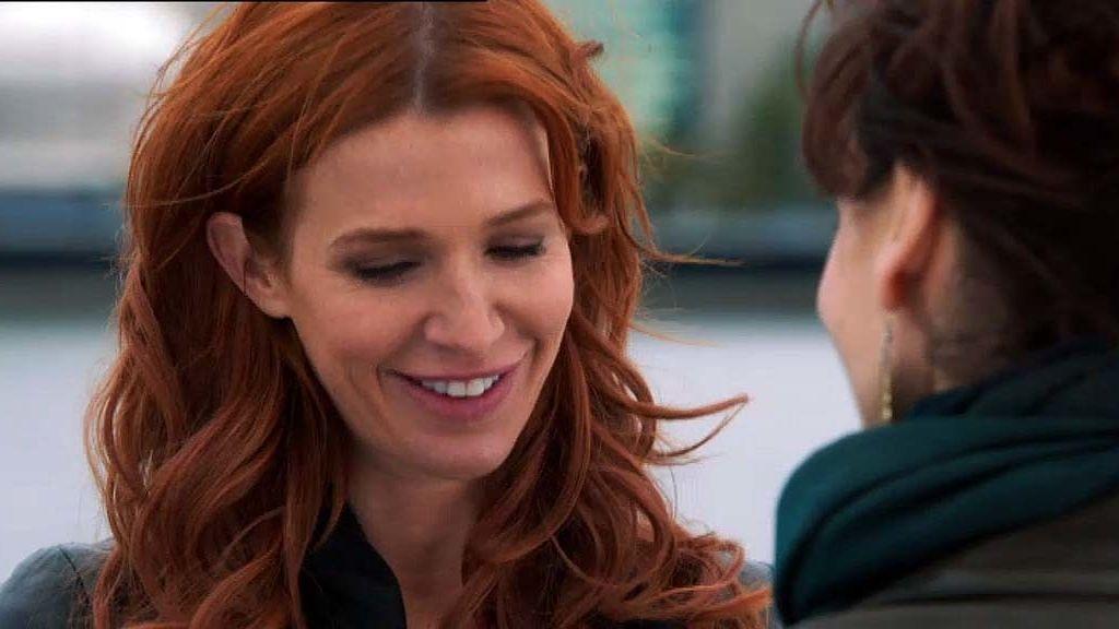 Carrie recupera la relación con su tía Eddie