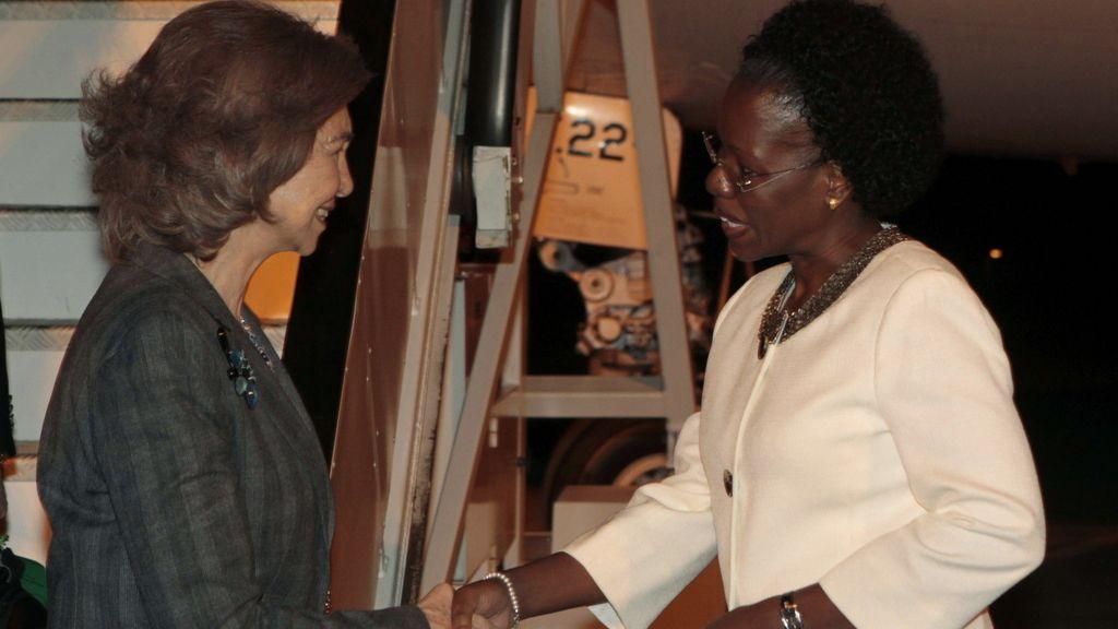 La Reina Sofía viaja a Mozambique en uno de los momentos más delicados para la monarquía española